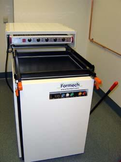 Formech Model 660 Vaccuum Thermoforming Machine